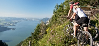 Mountain biking above Lake Traun in Austria